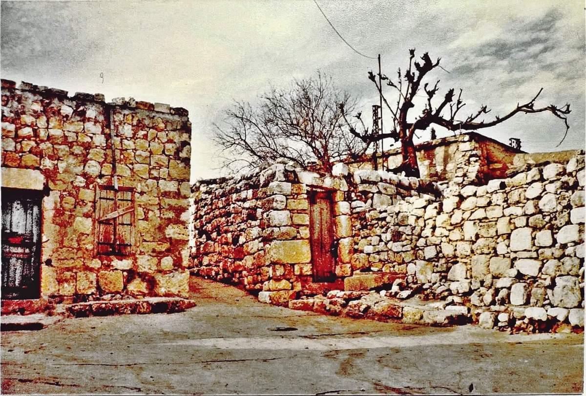 بالصور :قريتي كفرا وياطر عام 1980 بعدسة اليونيفيل